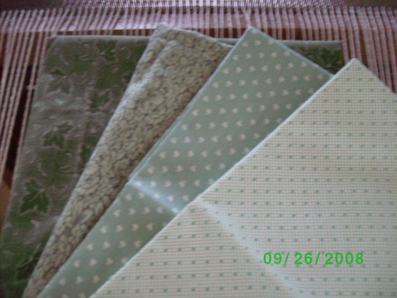 SALE Quilter,s Cotton Quilt Fabric Bundle/4--- 1/2 Yard Lengths  Spring Greens