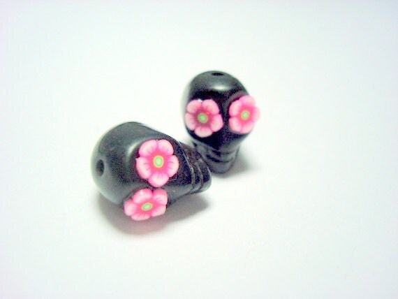 Pink Daisy Eyes in Small Black Day of The Dead Skull Beads-12mm