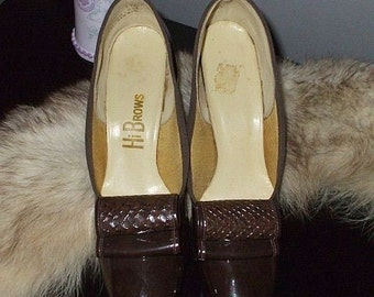 Vintage 60's Shoes / Dark Chocolate Brown Pumps / Snakeskin Trim / 6.5