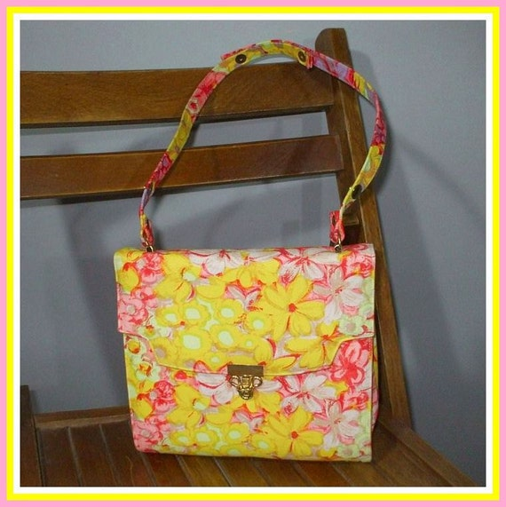 Vintage 60s Purse Handbag / Floral Fabric Kelly Bag Style / Adjustable Handle