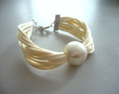 Pearl and ivory bracelet