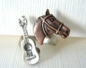 Horse and guitar open ring
