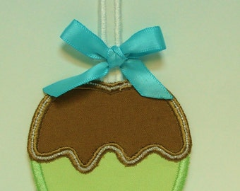 Carmel Apple Embroidered Applique -100304