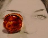 lucite ring  bakelite root beer swirl button 1960s