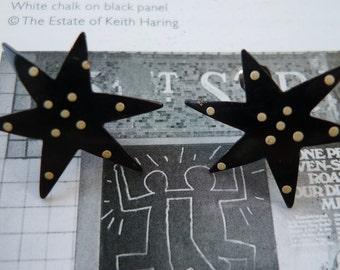 vintage earrings artstar 1980s black enamel earrings white dots