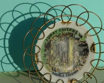 vintage  plate metal daisy frame virginia caverns