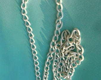 cute summer style necklace vintage chain  mod white necklace 1960s