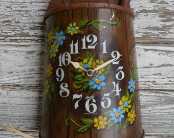vintage clock folk flower wood grain butter churn clock SPARTAS 1972