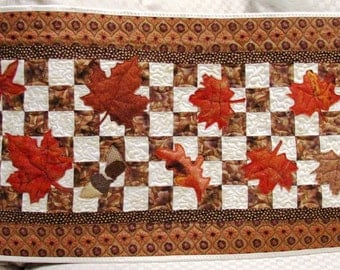 Pumpkins, Acorns, Gourds, and Corn Fall Table Runner