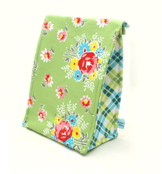 Eco Insulated Lunch Bag in Garden Party Green Floral Print