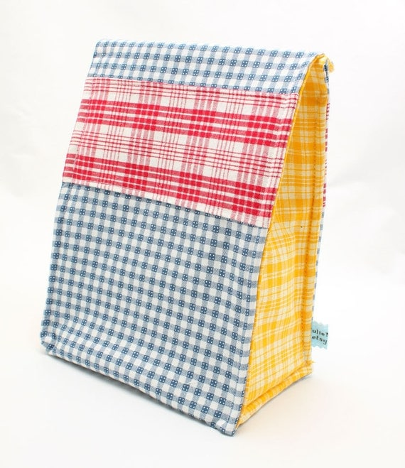 Picnic Bag in Primary Plaid Eco Insulated Lunch Bag