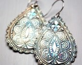 India Paisley Drop Earrings with Scalloped Edge