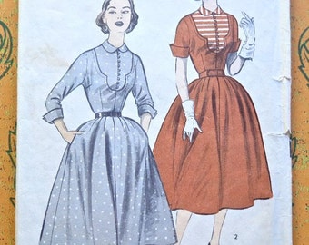 Vintage 1950s Womens Dress Pattern with Contrast Bib and Full Skirt - Advance 6211