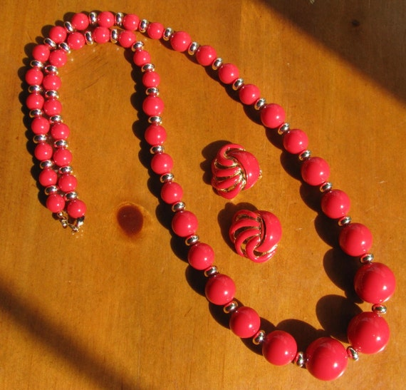 Vintage Red Lucite Beaded Necklace and Earring Set