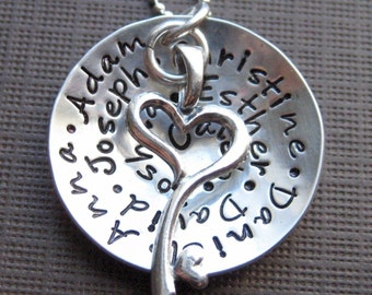 My Family holds a Key to my Heart - Necklace for Mom and Grandma - up to 10 names maximum of 50 characters (NN035)