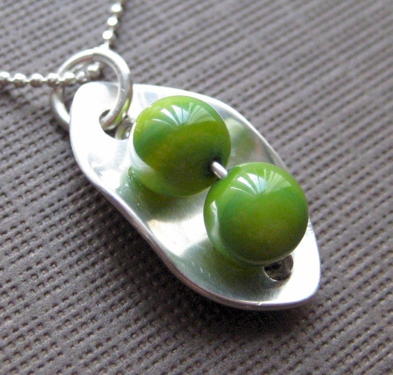 TWO PEAS IN A POD. Necklace - Sterling Silver and Green Mother of Pearls.