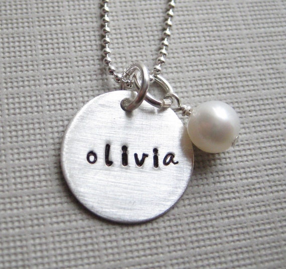 ONE NAME Charm hand stamped personalized - Sterling silver / Keepsake necklace with a Swarovski crystal pearl or a birthstone (NN002)