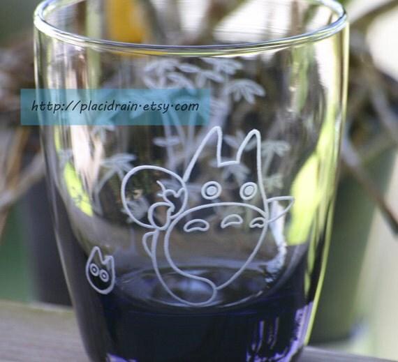 RUNNING TOTORO Fanart Short Glass (3-D like-- Engraved on 2 sides - grey -)