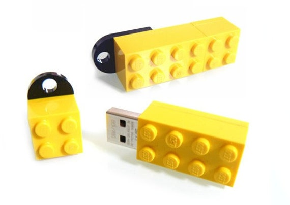 16 GB MEMORY STICK in a original LEGO 2x4 BRICK in 7 different colours available