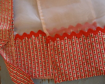 vintage dainty red and white apron