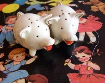 little piggy shakers set