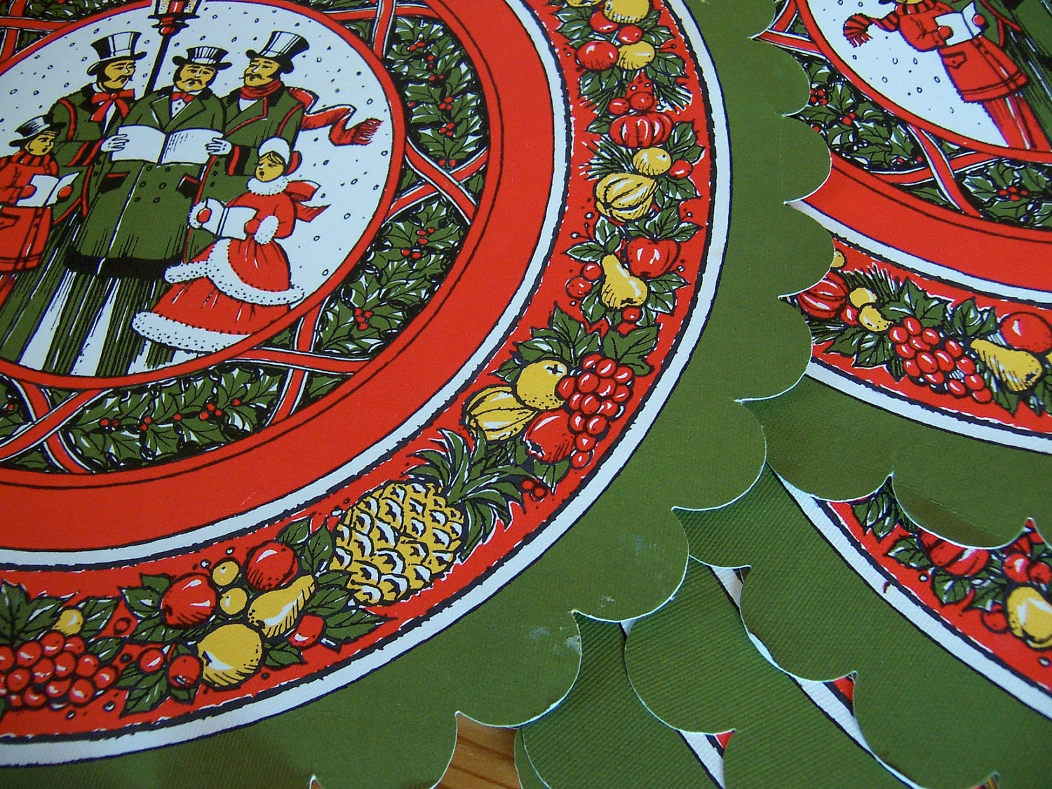 vintage christmas round paper placemats