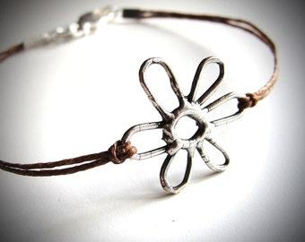Flower bracelet on colored linen Spring Daisy Bracelet friendship bracelet