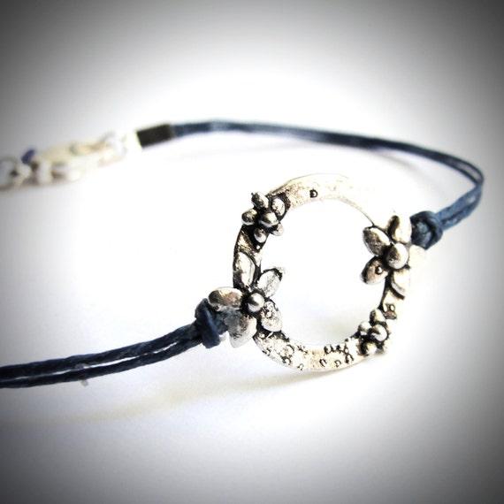 Sterling Daisy Circle bracelet