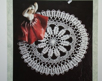 Soutache Crochet Doily Pattern A250 - 158 by Coats in English and French