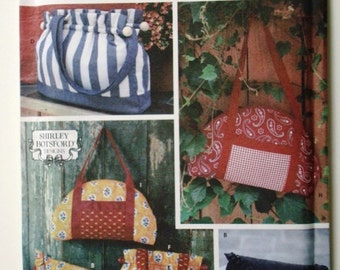 Simplicity 5812 Accessories Patterns for Bags in 3 Sizes and Styles. Uncut