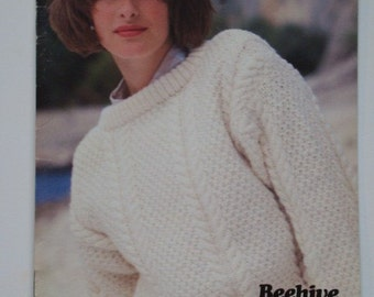 Family Knitting Patterns Booklet by Patons Beehive No. 471 Sweaters Pullovers for Men Women Children