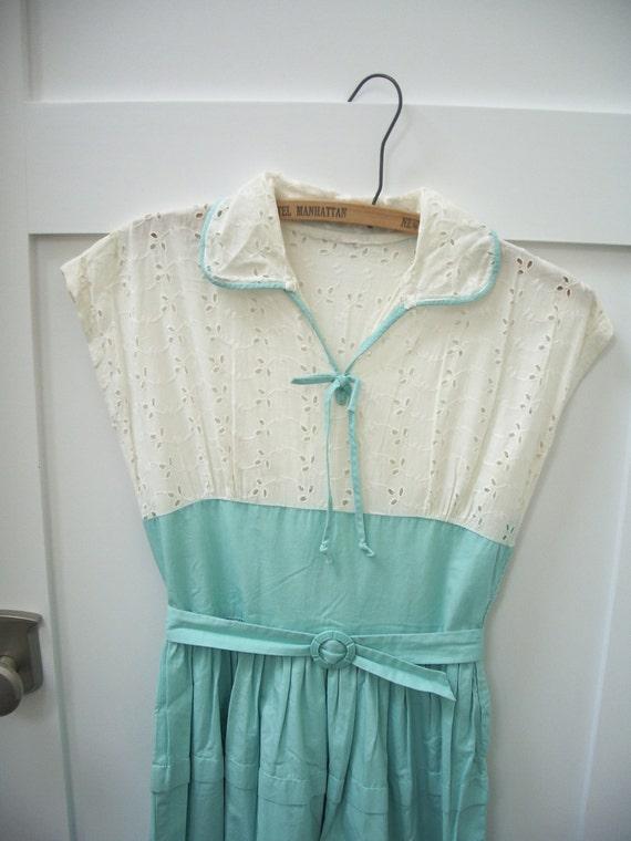 Vintage 50s white eyelet mint green dress xs