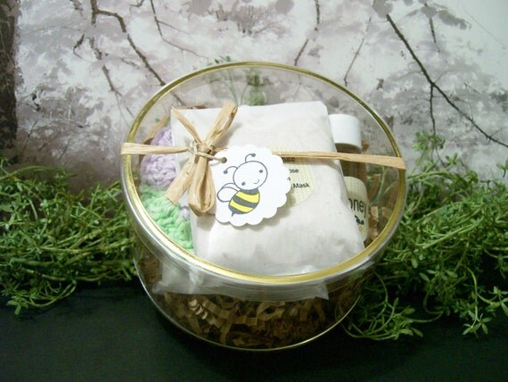 Face Mask Face Cleansing grains with oatmeal and honey for dry skin Lavender Rose Facial Scrub  Clearance Item