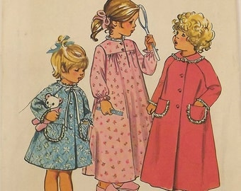 Vintage Sewing Pattern, Toddlers Robe and Nightgown, Size 2, Uncut