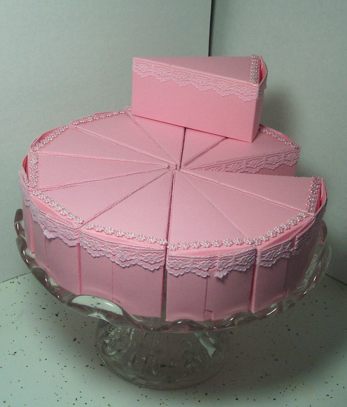 Etsy Cake Favor Boxes : Pink small cake shaped party favor boxes laced by