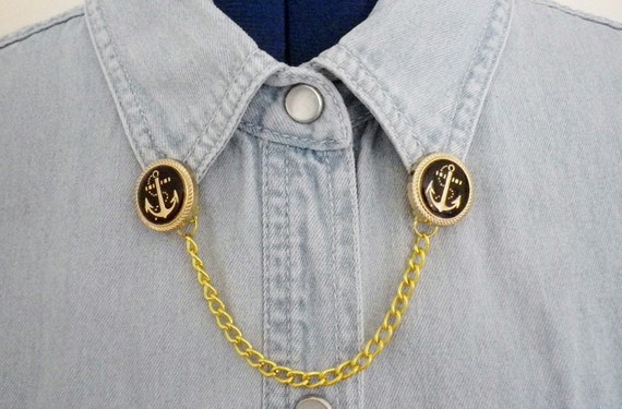 black and gold anchor button clip collar chain