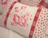 Red/Shabby ChiC/Down Pillow/FrencH Hearts/CoTTaGE HEARTS/FLOWERS