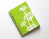 Large Coupon Organizer with 14 Pockets - Pre Printed Labels Included - Green Queen Annes Lace