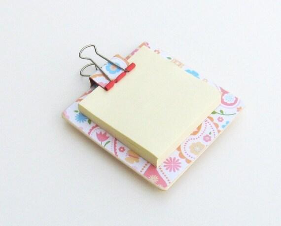 Magnetic Sticky Note Holder - Pastel Paisley