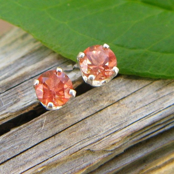 Little Gems - 4mm Peach Oregon Sunstone - The Perfect Faceted Gemstone Stud Earrings