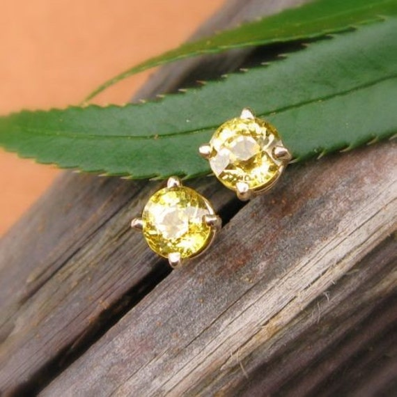 Mali Garnet Stud Earrings in 14k Yellow Gold with Genuine Gemstones, 4.5mm - Free Gift Wrapping