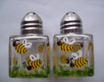 Hand painted mini salt and pepper shakers  party favors  weddings bees bee