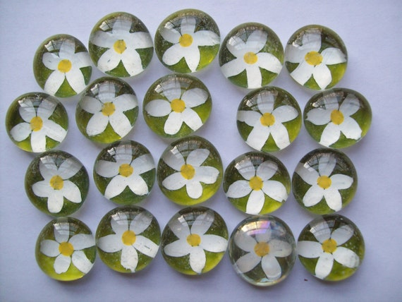Hand painted glass gems mosaic tile party favors daisy daisies on green