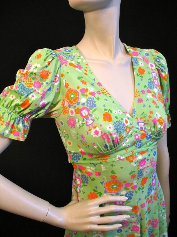 Baby Doll Dress / 70s Mini Dress / XS S / Raggedy Anne Flower Print