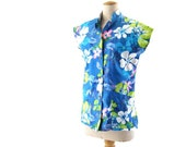 Vintage Hawaiian Blouse Floral Cap Sleeve Blue Blue Green Pink Yellow