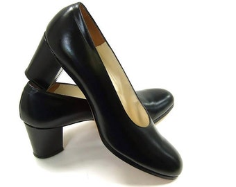 Vintage Shoes Black Leather Shoes Chunky High Heel Black Pumps NOS size 8 1/2 Narrow New Vintage NOS