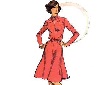 Vintage Dress Sewing Pattern 70s Keyhole Bow Flared Skirt Dress size 14 Large Bust 36 Vogue 8988