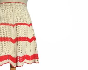 Vintage 1950s Crochet Half Apron Hand Red Ecru Ripple Zig Zag Handmade Craft Clothing Kitchen Collectible