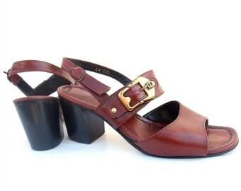 Vintage Leather Shoes Oxblood Etienne Aigner Sandals 60s Chunky Heels Gold Metal Buckle Designer Comfy Strap Vintage Footwear