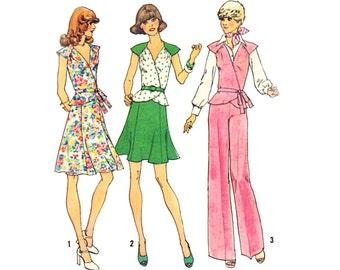 Vintage 70s Sewing Pattern 2 Piece Dress Peplum Wrap Blouse Gore Skirt Mini Pants Flare Leg Slacks Small Uncut Simplicity 6929 Unused